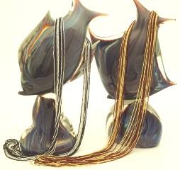 CN60 Бисерное колье длинное 95см 16 нитей цвет черно-серебристый и красно-золотой