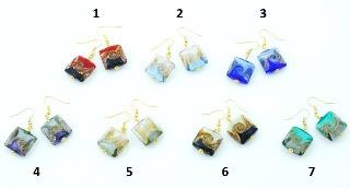 Vac/O9290 Серьги Бетти квадратные бусины муранское стекло