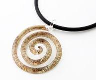 NV03 Подвеска Спираль Бонди' диам.5,5 см цвет слоновая кость-золото