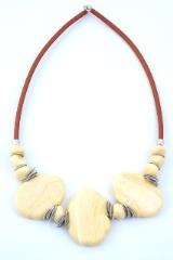 RS52/2-C Колье Матовая фантазия с тремя центральными элементами цвет слоновая кость